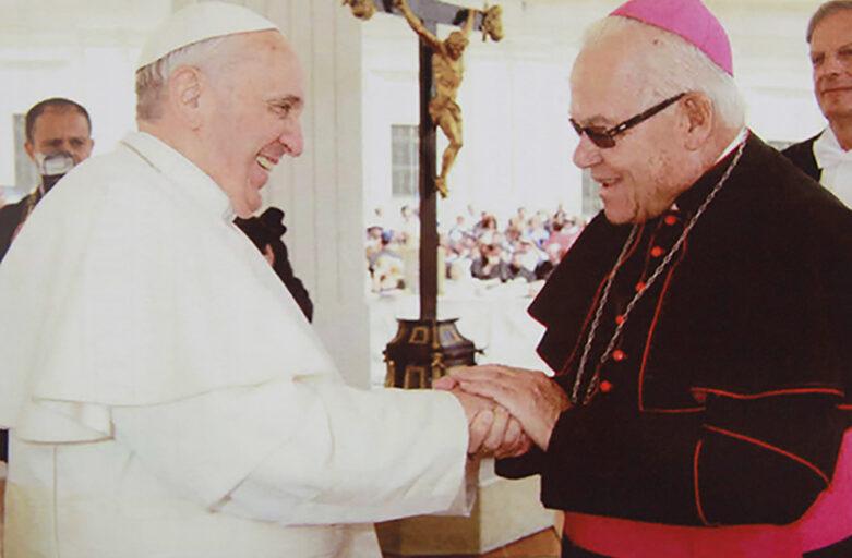 Comunicaciones del Obispo de Chimbote y la Santa Sede